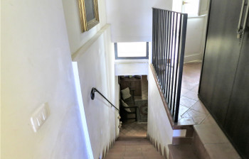 18-stairs-to-apartment-entrance